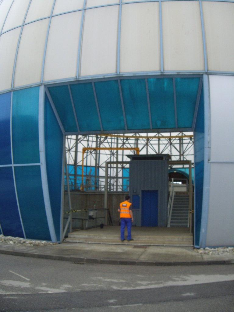 Diseño y cálculo escalera acceso túnel subterráneo EDAR