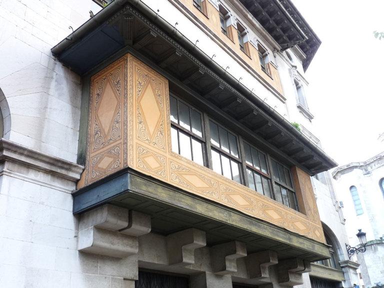 rehabilitacion-edificio-historico-santander-balcon-01