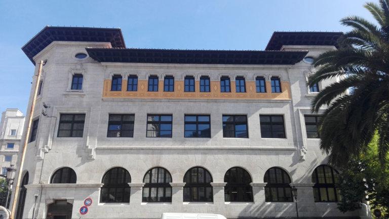 rehabilitacion-edificio-catalogado-santander-fachada-02