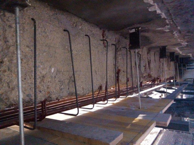 Reparación y refuerzo estructural de viga carril en nave