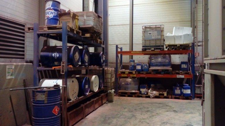 Proyecto de almacenamiento de productos químicos para planta de fabricación de sistemas de almacenaje
