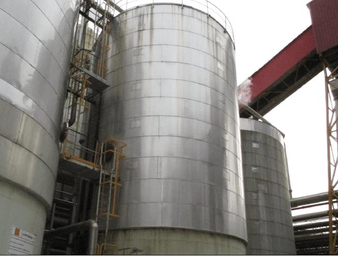 Proyecto de reparación de tanque de almacenamiento de fluido industrial