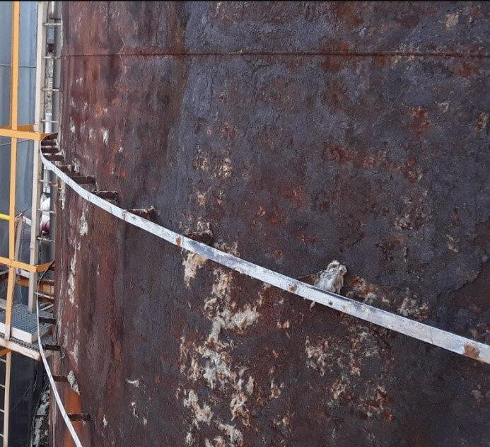 Reparación de tanque de almacenamiento de fluido industrial: detalle del material