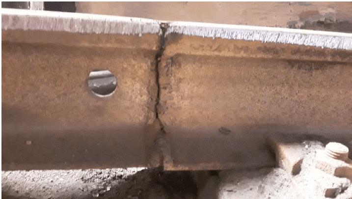 Estudio de los railes de rodadura de un puente grúa en nave de fundición